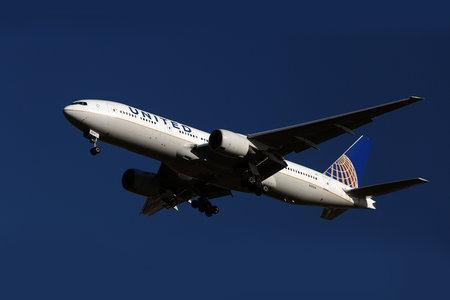 United Airlines pilot arrested after breath test released without charge