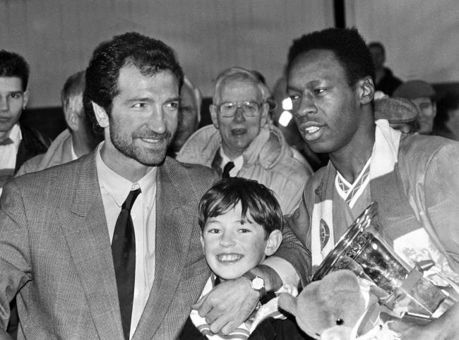Mark Walters, right, with his manager Graeme Souness, left, during his time at Rangers.