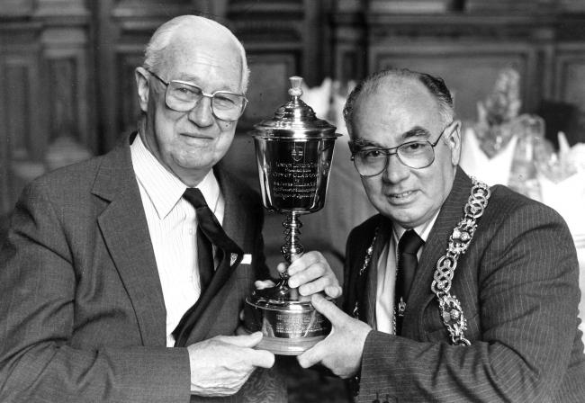 Lord Provost Robert Gray, right, presents the Loving Cup to chemistry professor Lord Todd of Trumpington in 1986