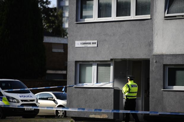 Glasgow Times: Police in Maryhill (Jamie Simpson pictures)