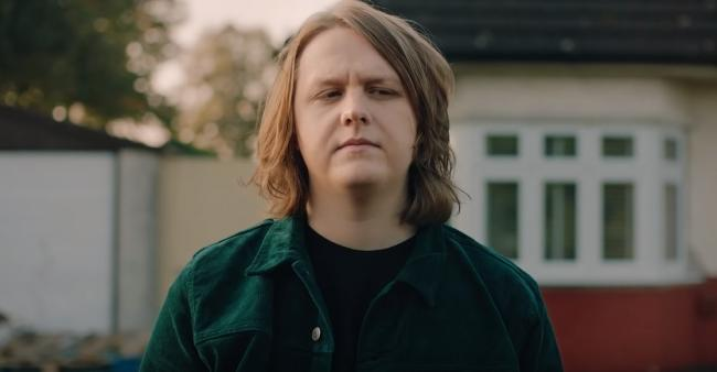Meet the lucky lady who flew to New York to meet Lewis Capaldi after a Tinder match