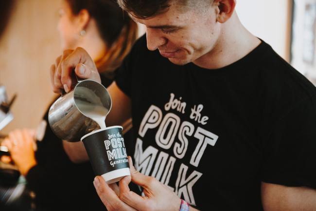 Pop-up coffee shop giving away FREE tea and coffee in Glasgow