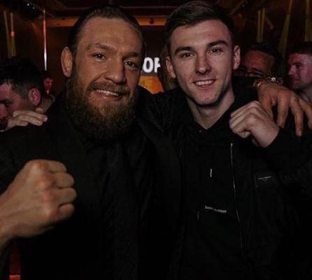 Glasgow Times: McGregor posing with KT