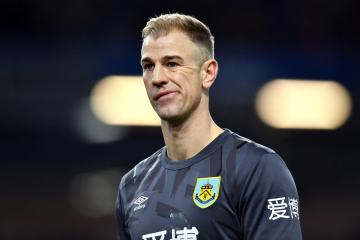 Celtic target Joe Hart's rapid descent from EPL winner to Burnley benchwarmer is cautionary tale