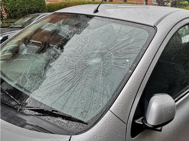 A spate of windscreens have been smashed in Dennistoun