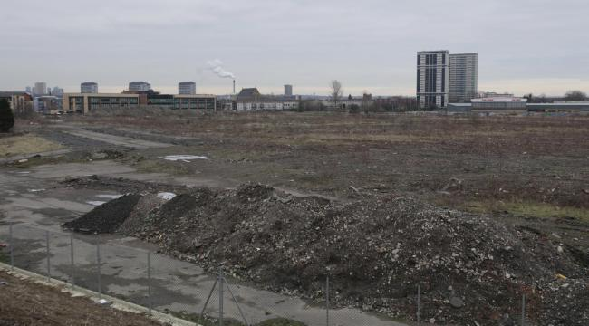 GV of land adjacent to Caledonia rd and Cathcart rd, Gorbals...Photograph by Colin Mearns.2 February 2012.For ET.