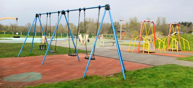 Kirkintilloch grandad worried about sanitation in playpark