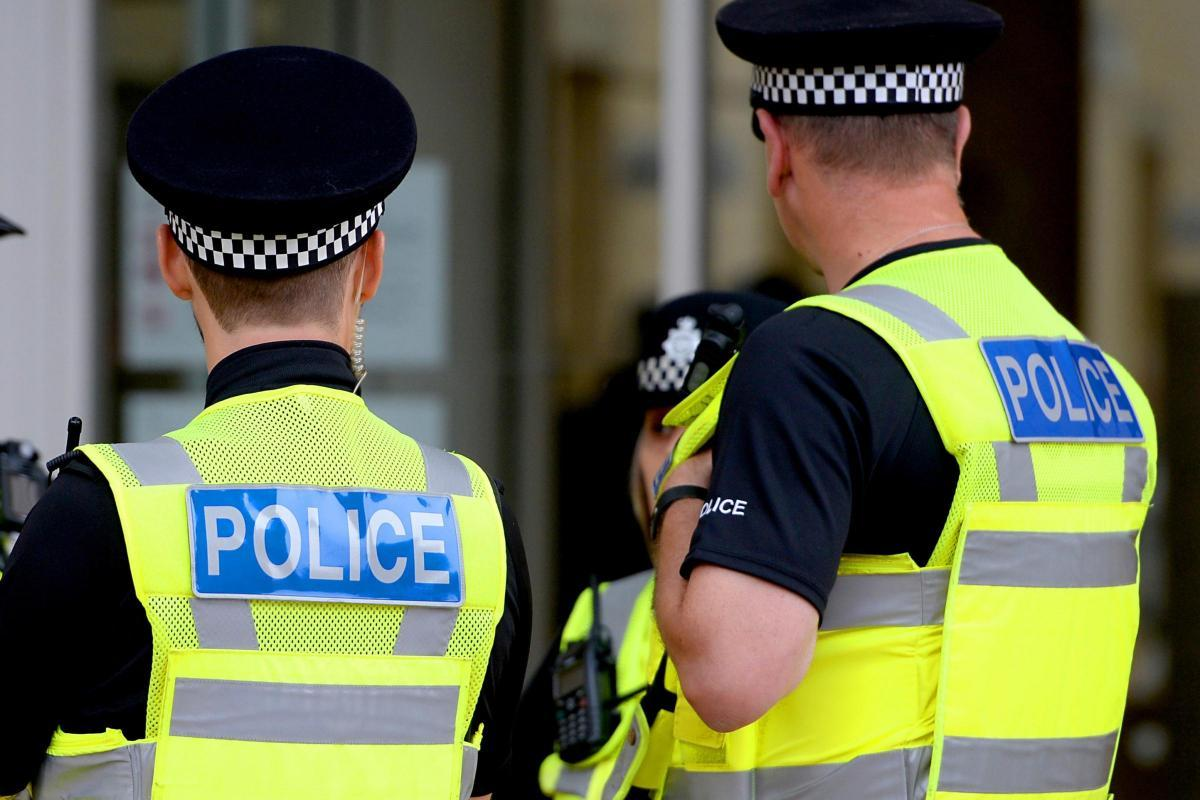 Cop urge parents to warn their teens 'boozing, urinating, littering' in Glasgow parks