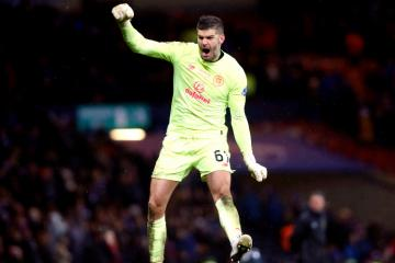 Fraser Forster unlikely to return to Celtic on loan deal as Elyounoussi stay confirmed