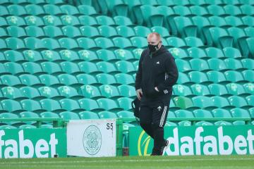 Neil Lennon calls on Celtic players to be 'standard bearers' after Aberdeen coronavirus outbreak
