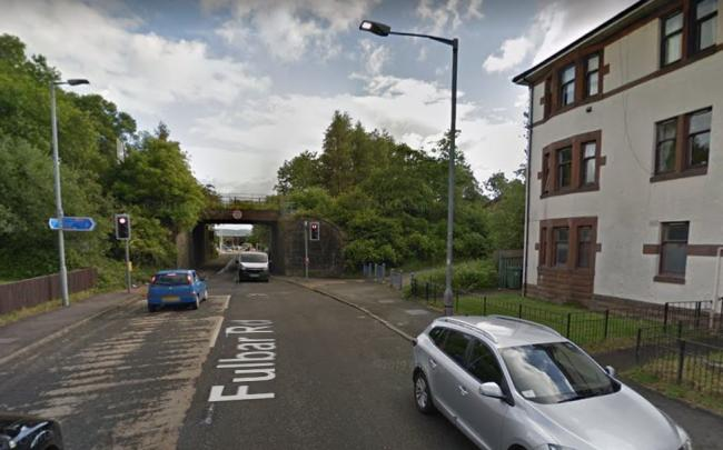 Police hunt for three men after murder bid in Paisley