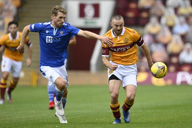 Motherwell midfielder Allan Campbell is wanted by Hibs