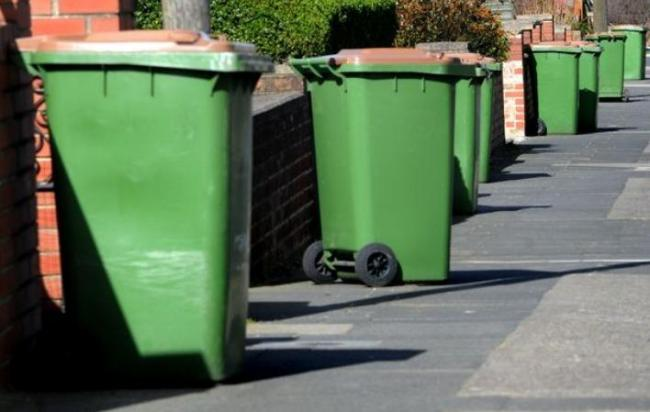 Union warns of recycling centre 'pressure' amid three-weekly bin collection
