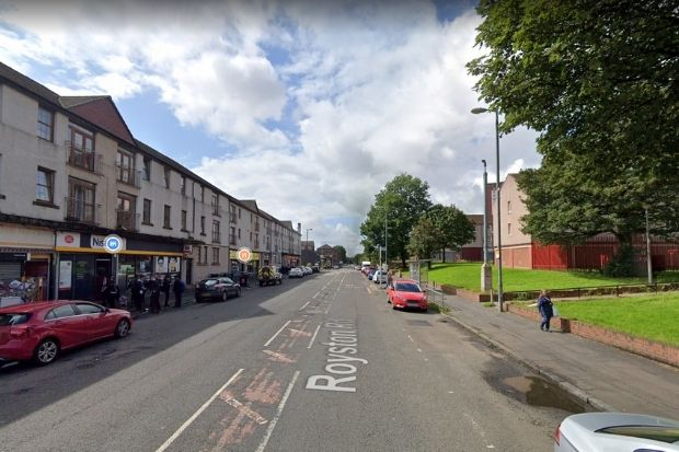 Men arrested after 'disturbance' on busy East End road