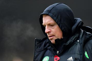 Neil Lennon says that Celtic aren't giving up on qualifying from Europa League section despite poor start