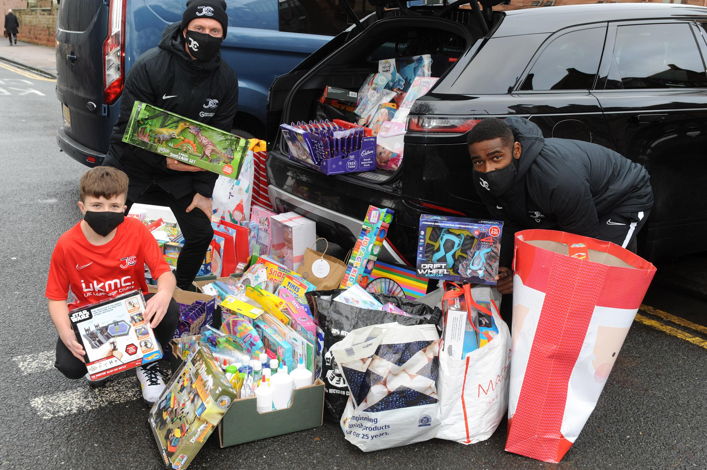 Ho Ho Joe! Jags winger Cardle delivers Christmas presents to sick kids