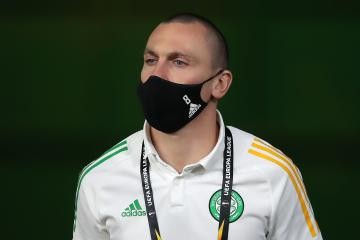 Celtic skipper Scott Brown hits back at criticism over Dubai poolside picture with Neil Lennon