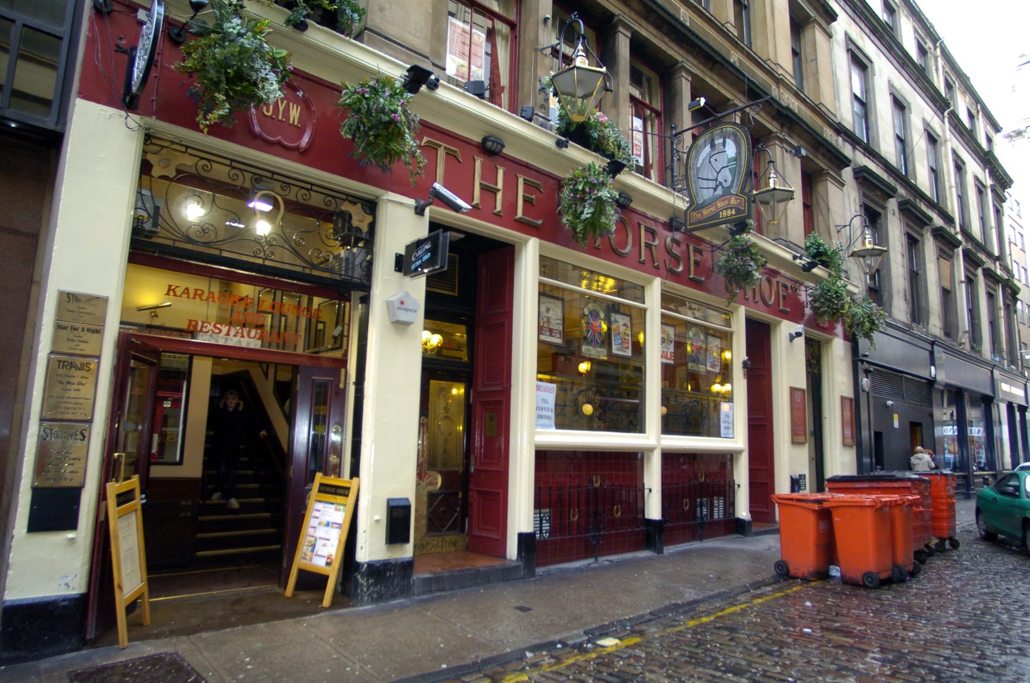 Woman thrown out of Glasgow's Horseshoe bar slapped manager and spat at cop