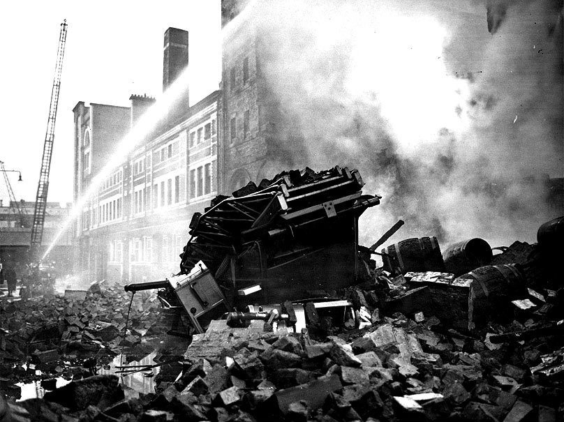 Cheapside Street warehouse fire, March 1960. Pic: Herald and Times