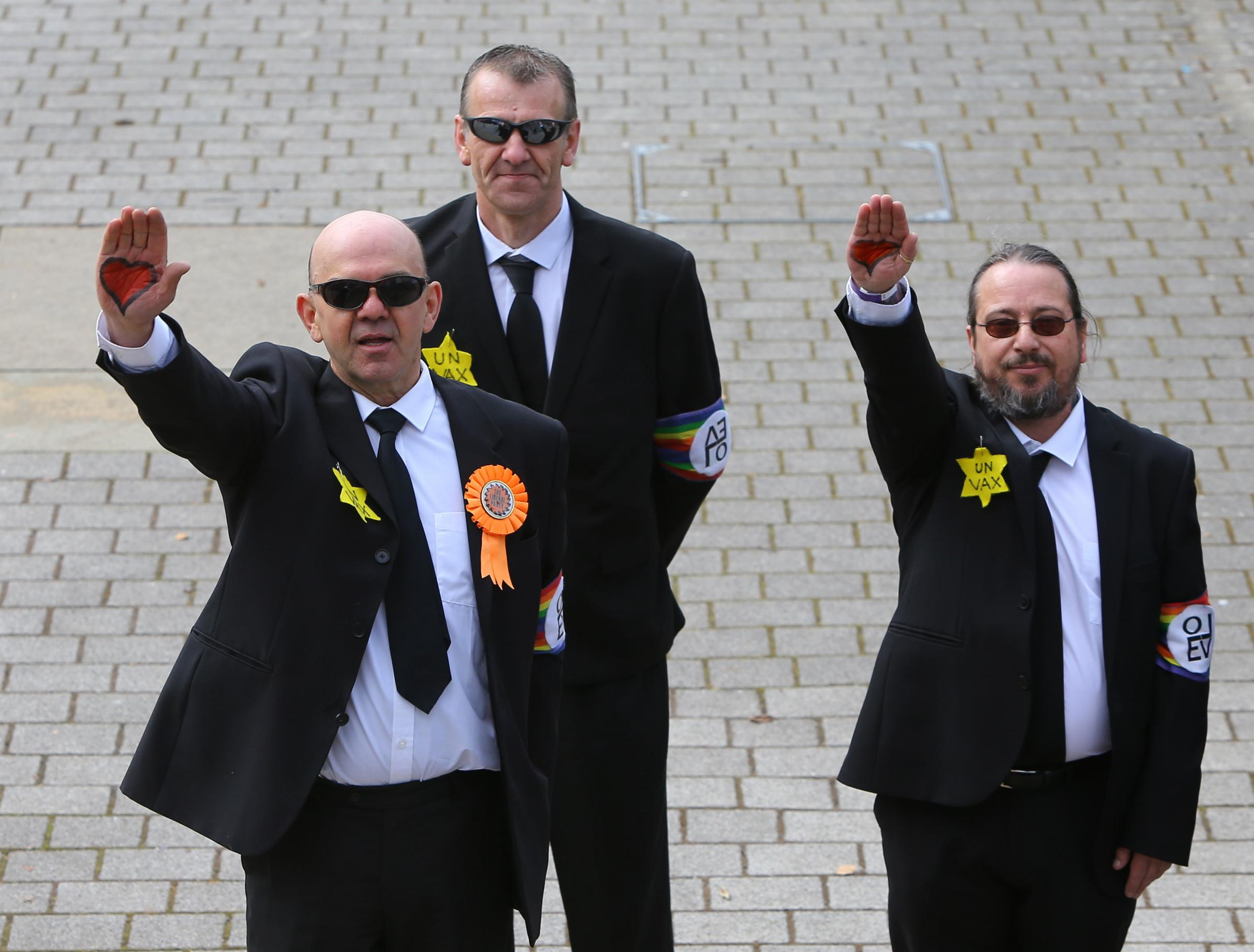 Anti-vaccination Liberal Party candidate performs 'Nazi salute' outside Glasgow election count