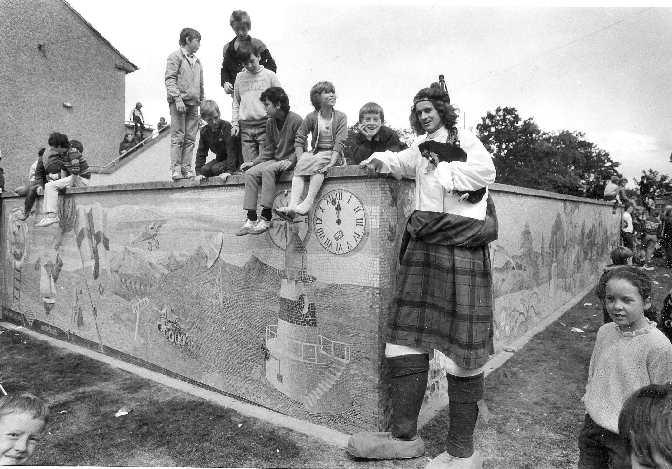 Glasgow mystery: Easterhouse mural 'biggest in Britain' - but where is it now?