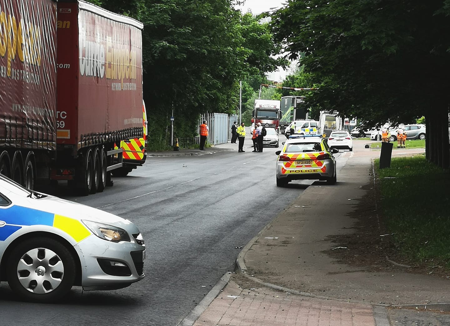 Cambuslang Road: Parcelforce depot locked down by police after suspicious parcel found