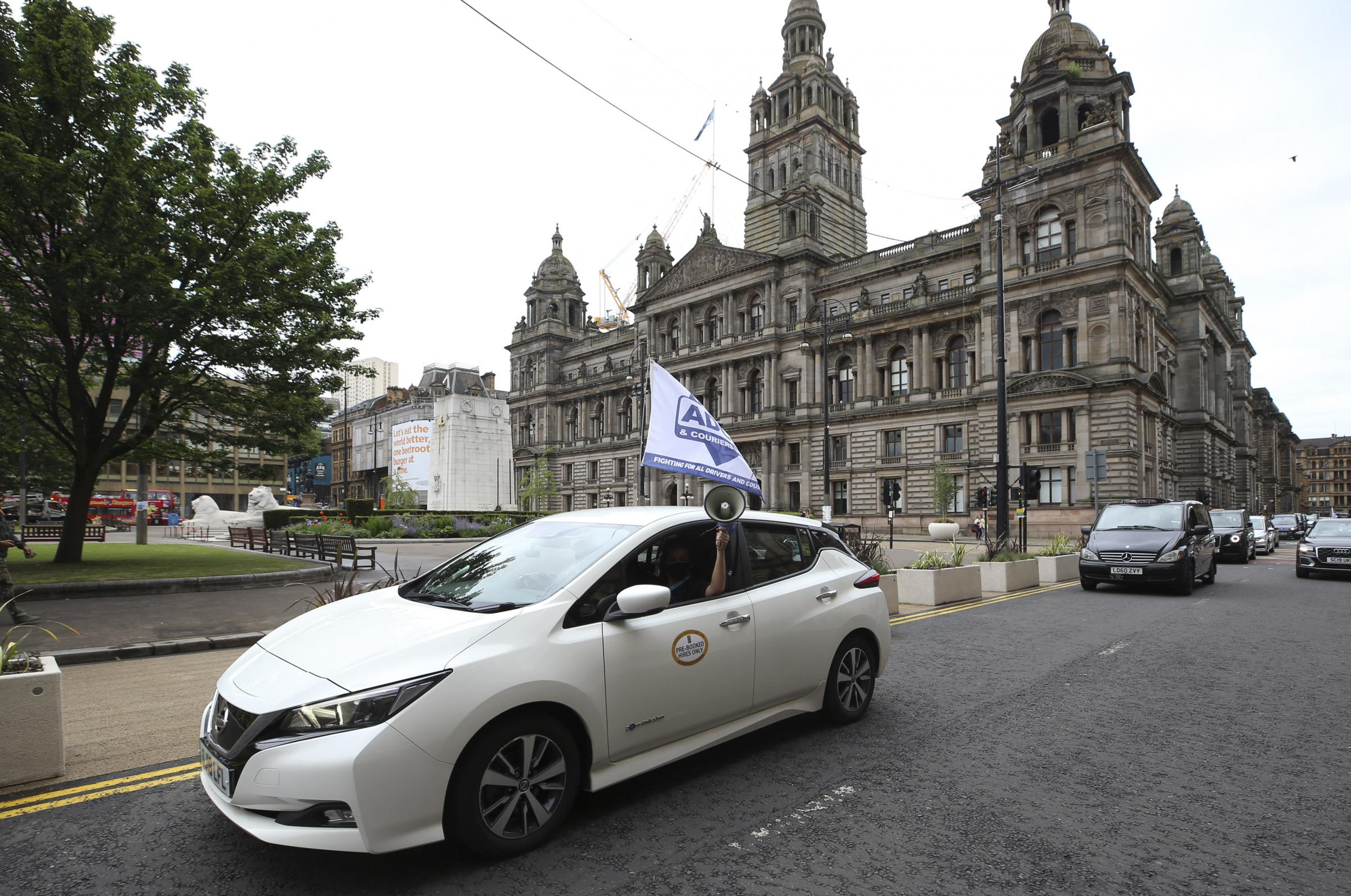 Glasgow taxi and private hire car drivers protest over Scottish Government grants