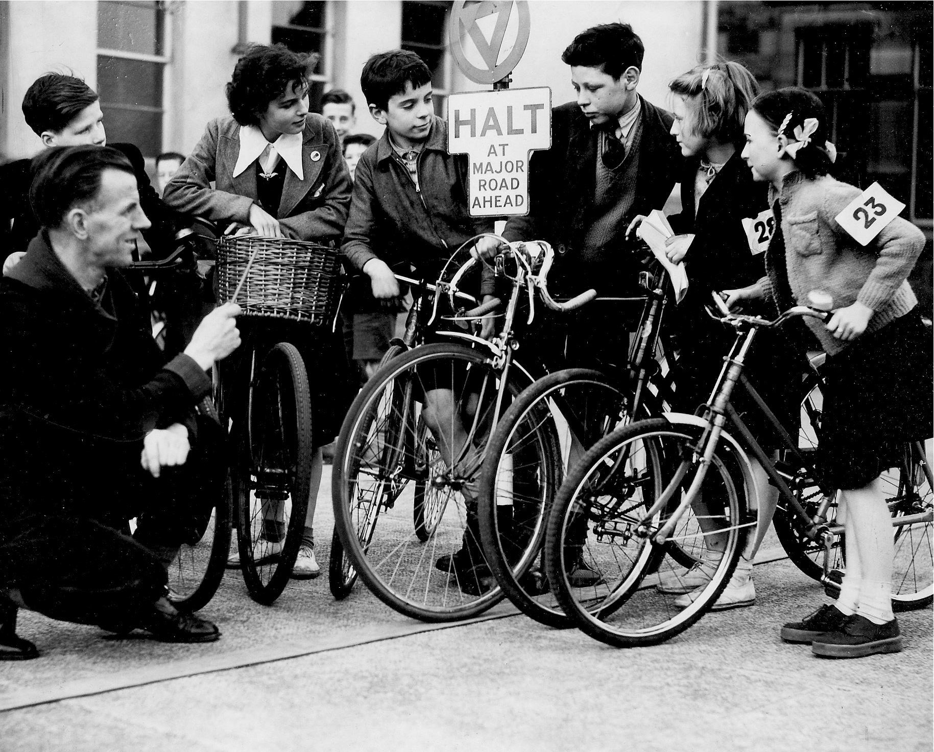 Glasgow memories: Bike lessons at school and a problem on Duke Street...