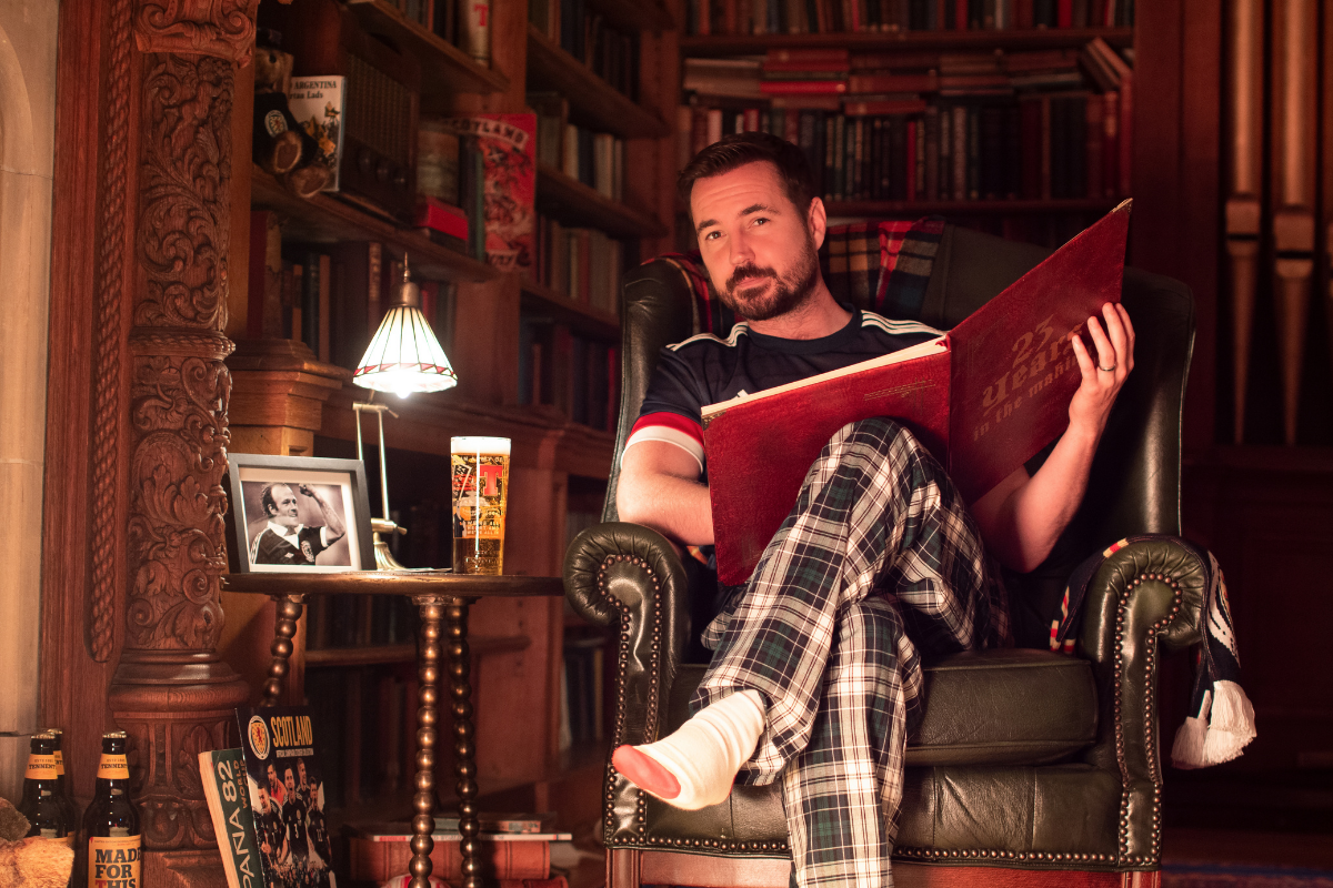 Martin Compston reads bedtime story to soothe nations nerves ahead of Scotland's opening game