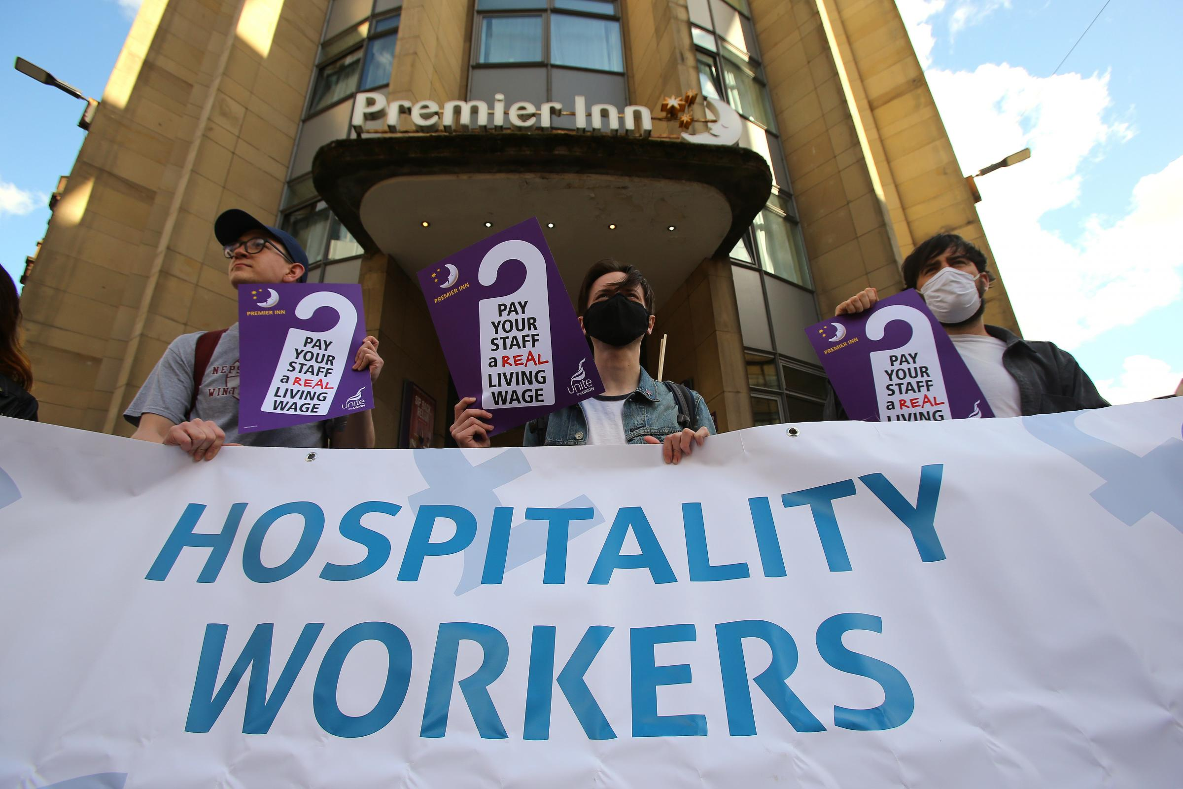Glasgow Premier Inn workers launch pay campaign with union backing