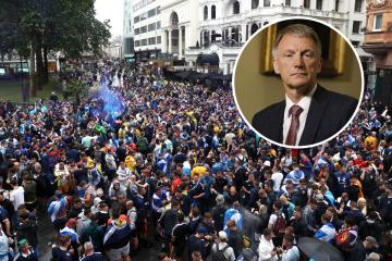 SNP minister condemns Tartan Army over London gatherings amid virus fears