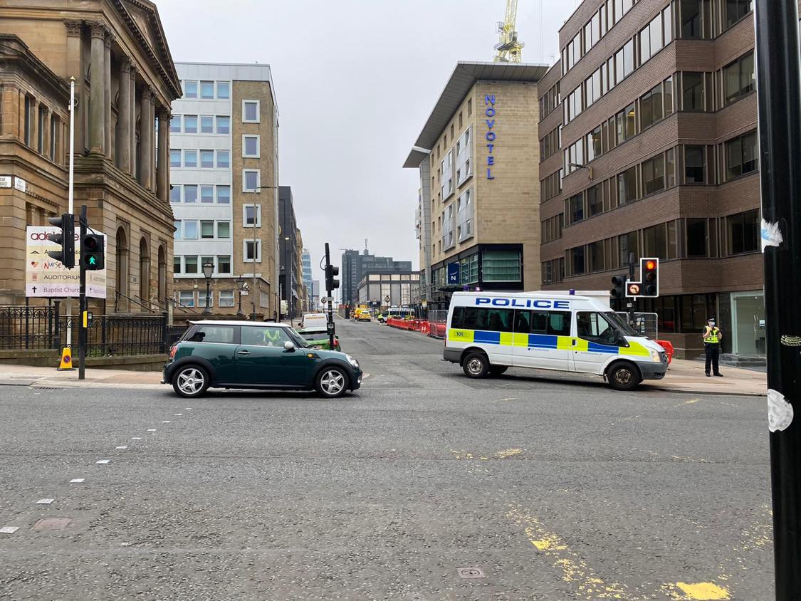 Pitt Street: Glasgow city centre road blocked off by cops amid ongoing incident