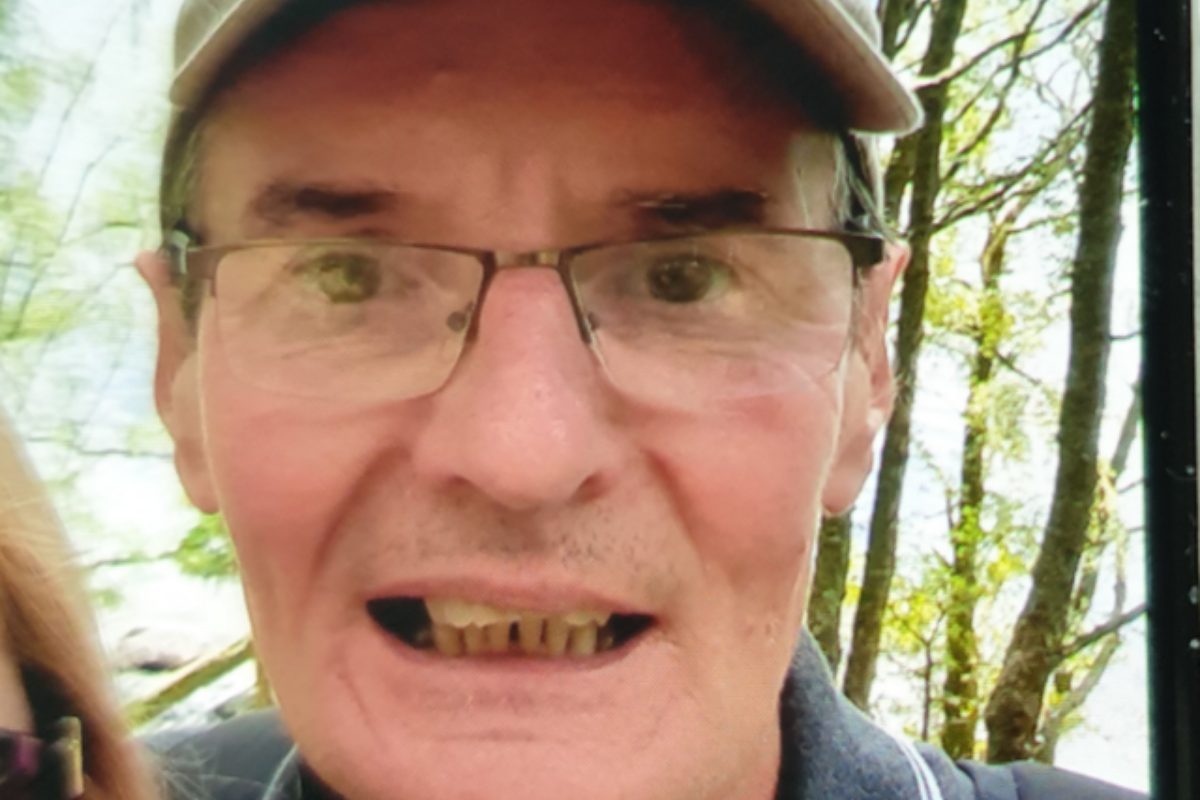 Gordon Proctor: Search continues for missing man last seen near Glasgow
