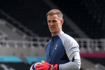 Joe Hart latest as Tottenham goalkeeper closes in on Celtic switch