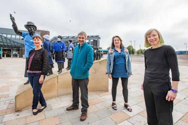 Glasgow Times: ts Beal, Iain Robertson, Liz Gardner and Audrey Obrien at Mary Barbour [Image: Elaine Livingstone]