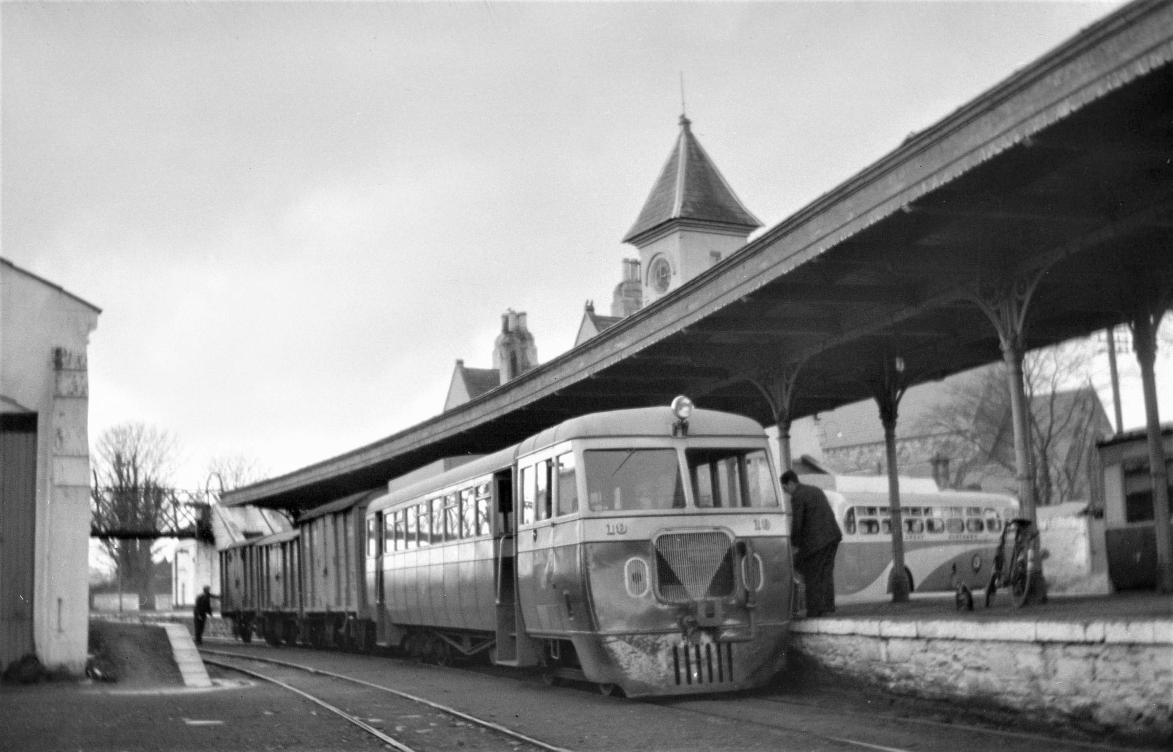 Remembering the 'rail buses' - and happy travels between Glasgow and Donegal