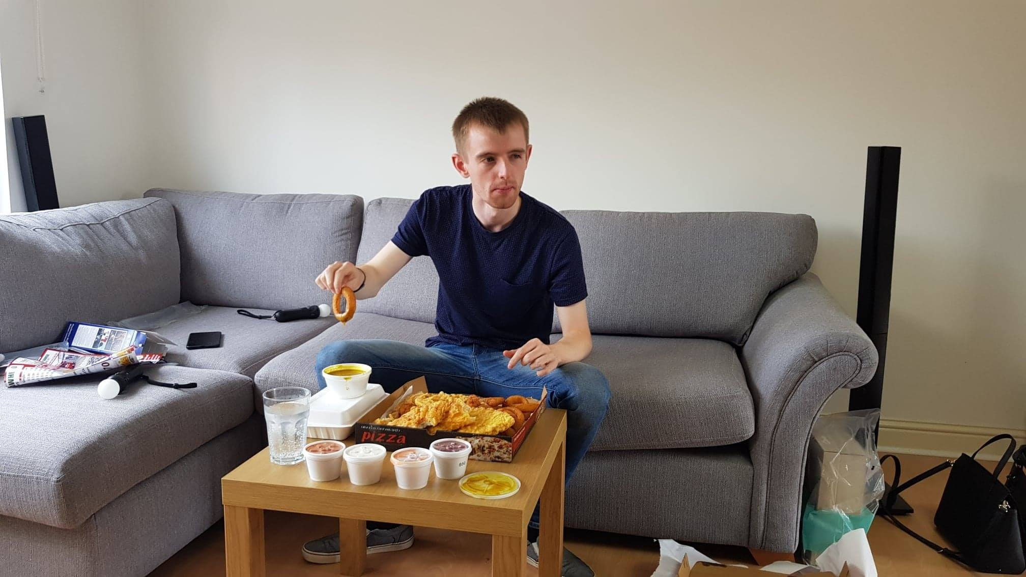 Glasgow TikTok star Dazza stuns guests with deep-fried dinner on Come Dine With Me