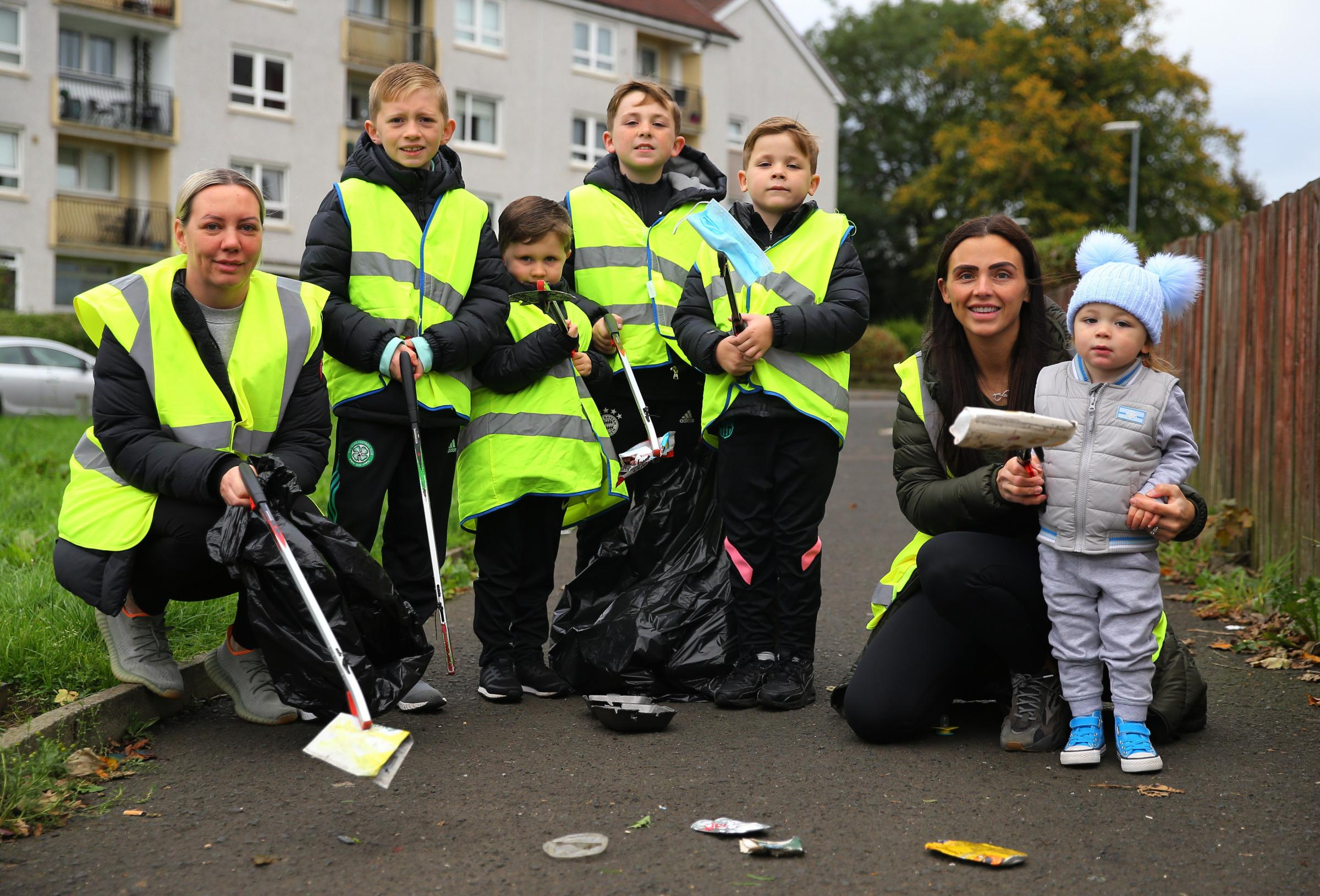 Meet the Glasgow kids and their mums cleaning up their area