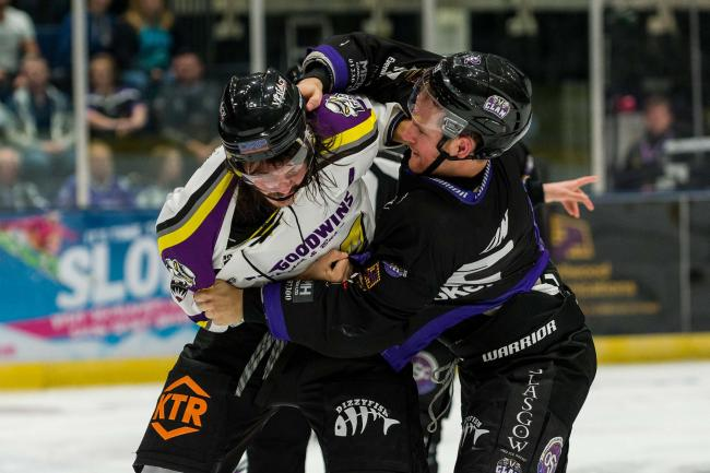 Braehead Clan defeat Manchester Storm 7-5 in their opening competitive game of the season, in the Challenge Cup on   ,2 September , Picture: Al Goold (www.algooldphoto.com)