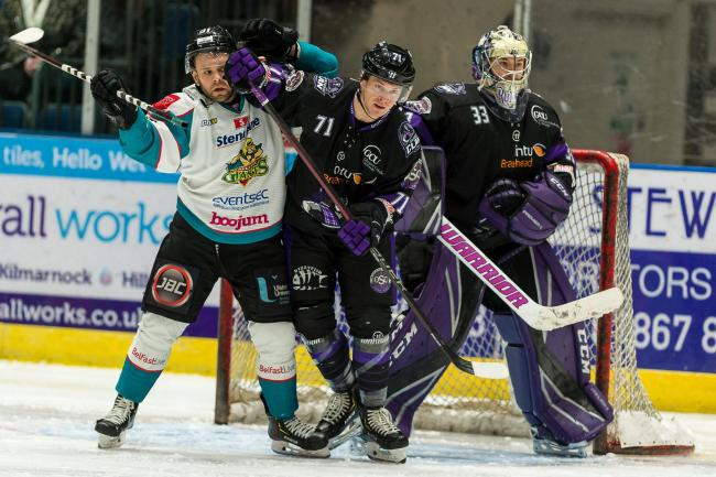 Glasgow Clan beat Belfast Giants 5-0