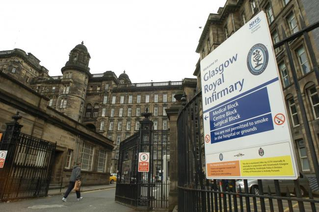 Castle street side of the Glasgow Royal Infirmary hospital.....Photograph By Colin Mearns.   7 June 2004..For Herald features..